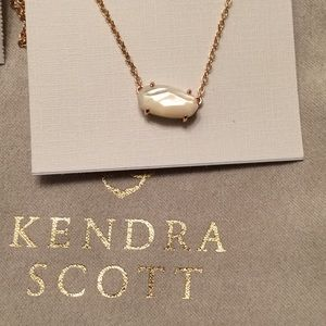 NWT Kendra Scott rose gold mother of pearl Ever